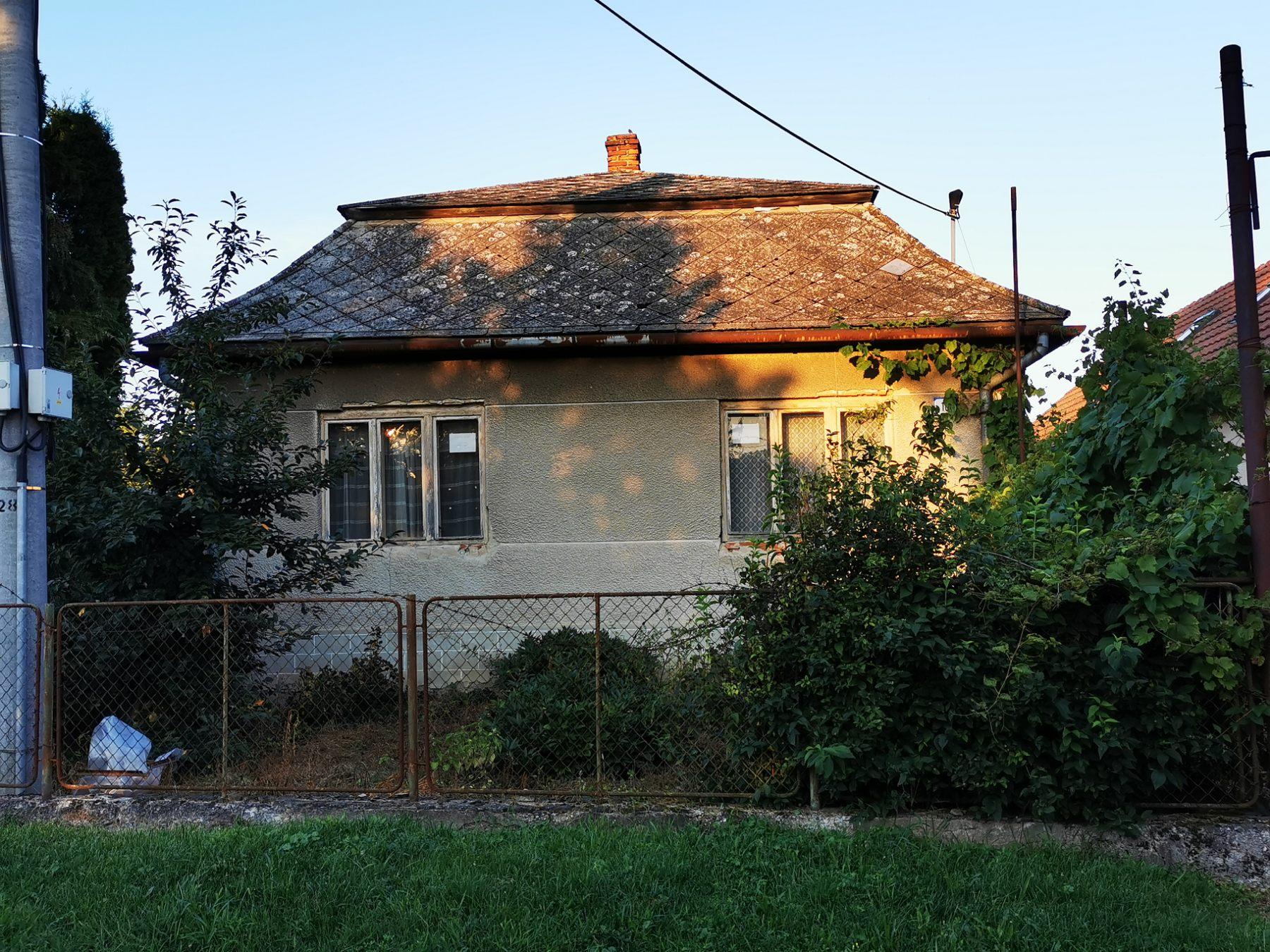 Exkluzívne: Pozemok so starším domom, Borša